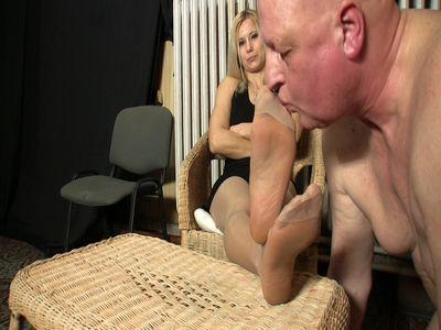 Lady Zita has her slave lick